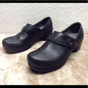 Dansko clogs women's 39 black leather comfort